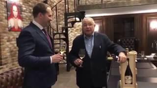 Смотреть Евгений Петросян отпраздновал шампанским развод с Еленой Степаненко онлайн