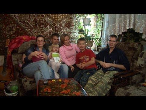 Thousands still living in Russia's Soviet-era past