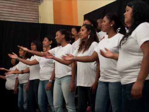 Donne Moi To La Main  El Shaddaï Choir
