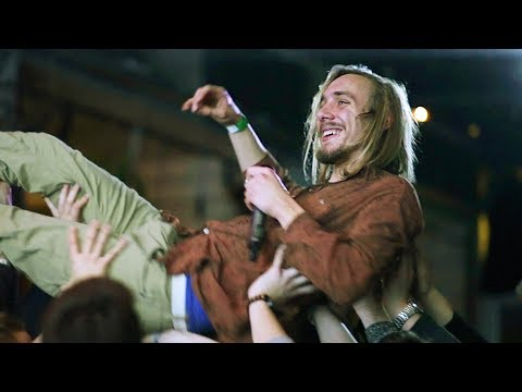 A rapper, akinek azt üvöltik a koncertjén: hajrá, Fidesz!