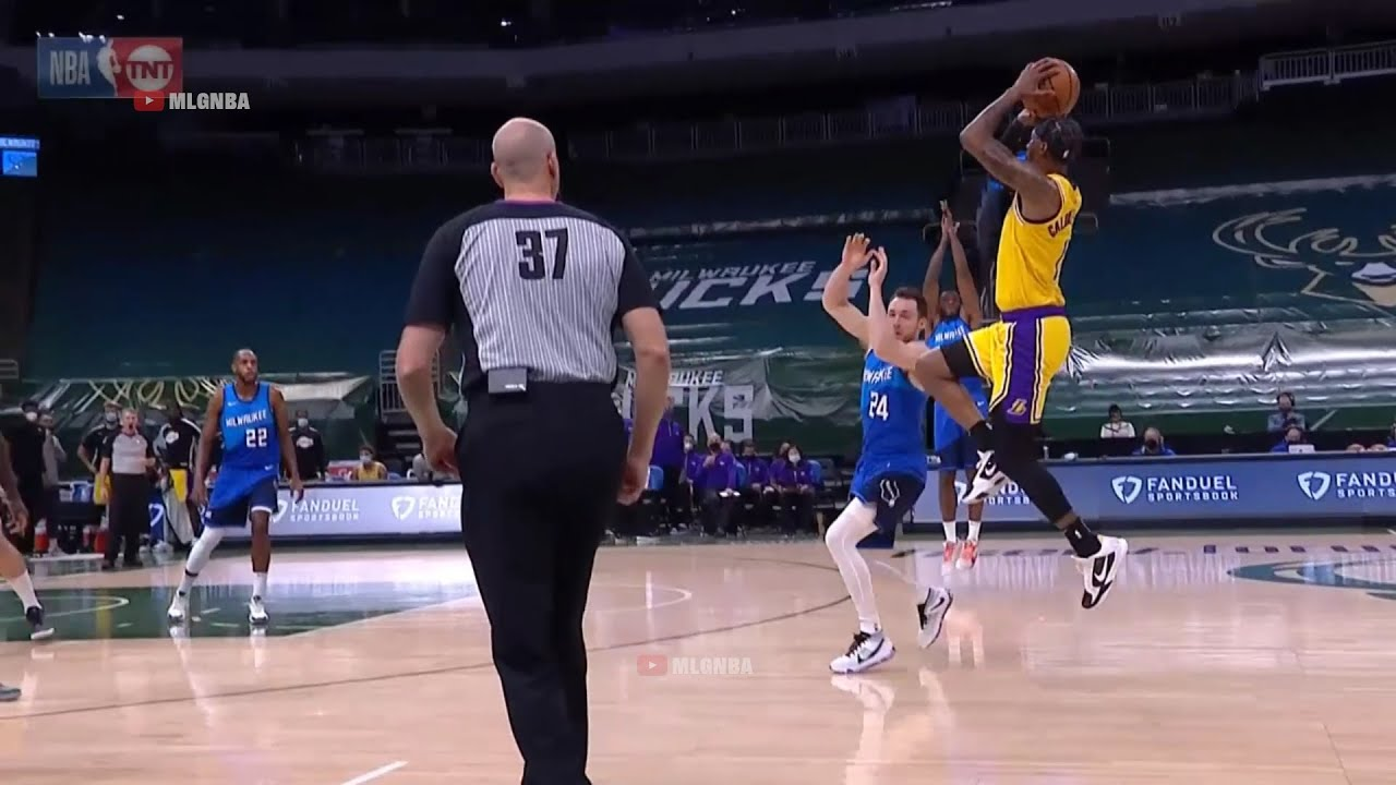KCP beats the first half buzzer | Lakers vs Bucks