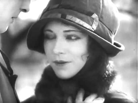 1926 Dmitri Karsanoff   'Ménilmontant'   early French Impressionist film