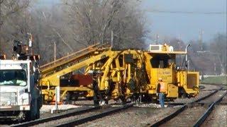 DM&E Maintenance Machines Move to Work on BNSF & IC&E Diamond at Ottumwa, Iowa