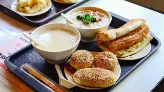 Breakfast at Fu Hang Dou Jiang Restaurant in Taipei