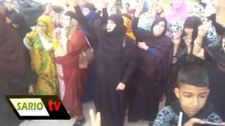 الجماهير الصحراوية يزغردن بالدموع بعد حزن كبير في وفاة روح الشهيد شيخ المجاهدين محمد عبد العزيز.