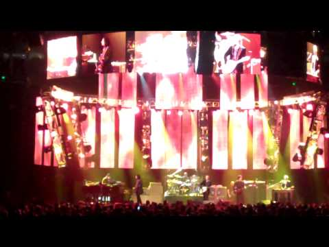 Tom Petty Oakland CA. 6-5-10.MP4 Kings Highway & Listen to Her Heart