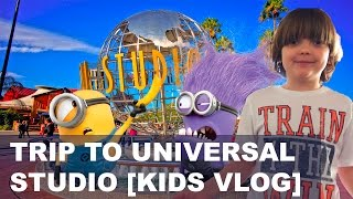 MINIONS FIGHT. My trip to Universal Studio. [KIDS VLOGS]