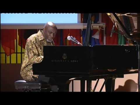 Ray LEMA plays  piano solo  at UNESCO.mov