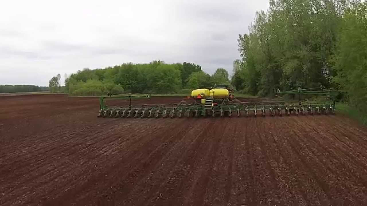 John Deere 8310 Pulling A 80ft John Deere 32 Row Corn