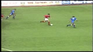 Barnsley FC: Wayne Biggins Début Goal Against Luton Town