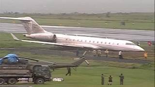 Plane Skids Off Runway In Tacloban