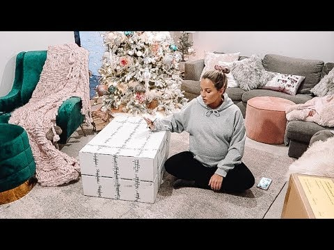 PREGNANCY UPDATE & PARCELS  | CHRISTMAS WITH THE CARTERS | Lucy Jessica Carter