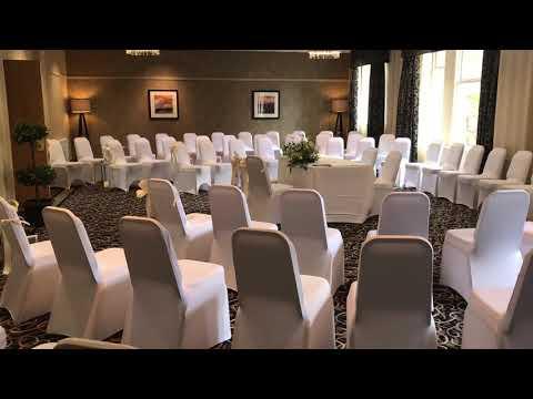 Oak Room - round set up
