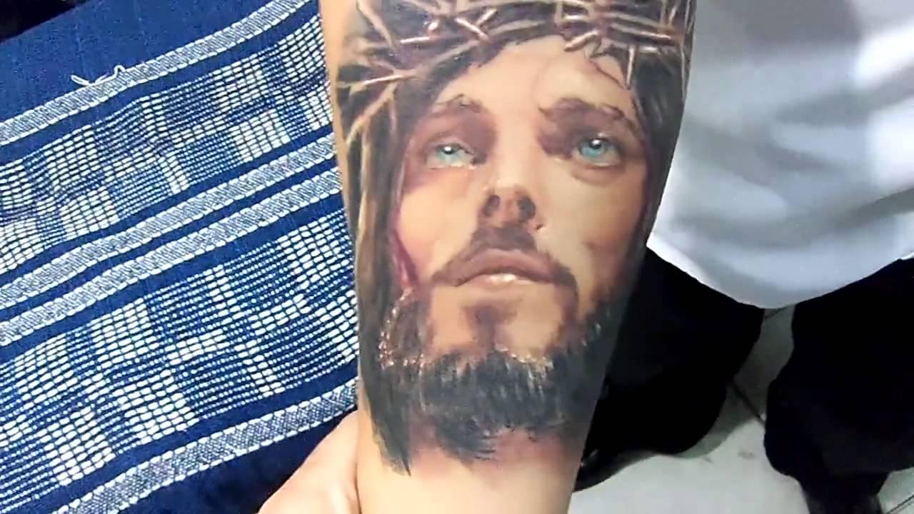 Tatuaje De Cristo Cicatrizado Realizado Por Henry De Buenos Aires