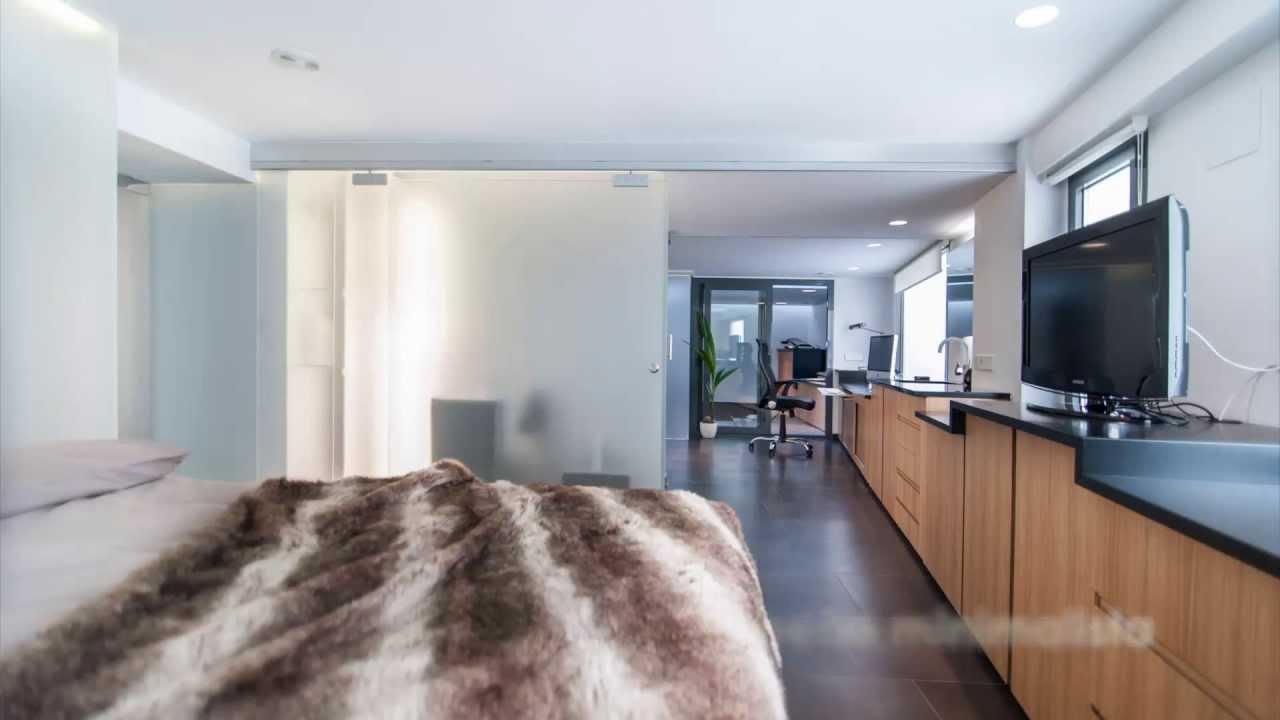 Loft minimalista duplex con piscina interior youtube for Piscinas minimalistas