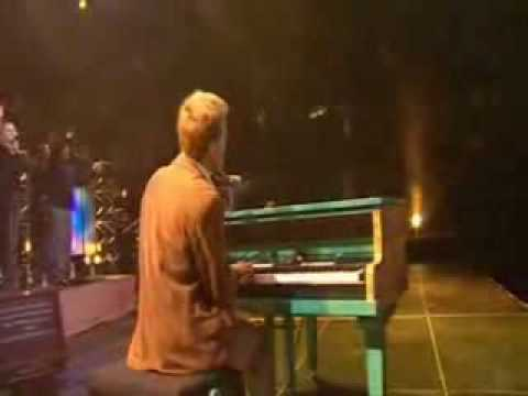 MICHAEL W. SMITH - AWESOME GOD (LIVE)...