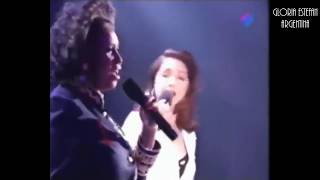 Gloria Estefan & Aretha Franklin - Coming Out Of The Dark (Live from Duets TV Special 1993)