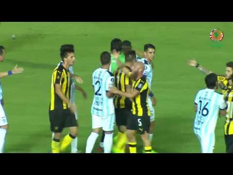 Peñarol remonta ante Tucumán en Montevideo