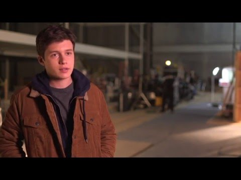 """The 5th Wave """"Ben"""" On-Set Interview - Nick Robinson"""