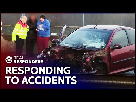 Freak Crash On Boxing Day | The Motorway: Life In The Fast Lane | Real Responders