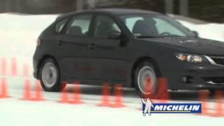Freiner en ligne droite avec des freins ABS | Académie de conduite hivernale Michelin