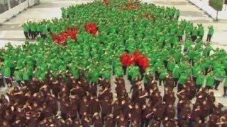 Formasi Pohon Natal Terbesar di Thailand
