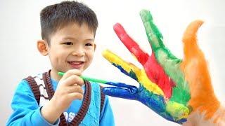 Finger Family hand body paint - Xavi ABCKids