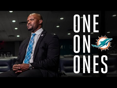 One-on-one with Coach Flores | Miami Dolphins