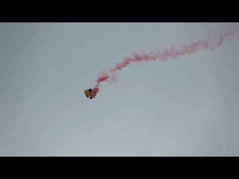 Parachute FAILS during Memorial Day Air Show at Jones Beach, New York on 05/27/2017