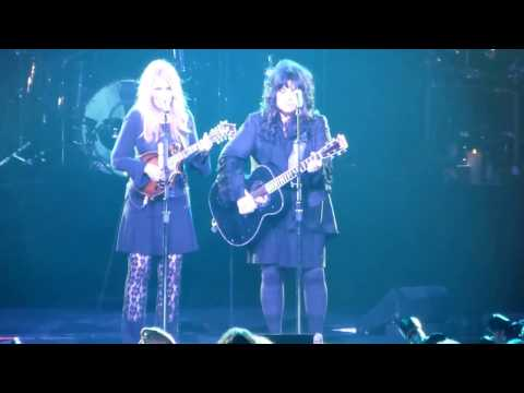 """Heart """"Battle Of Evermore"""" Live Montreal June 14 2014 (Led Zeppelin cover)"""