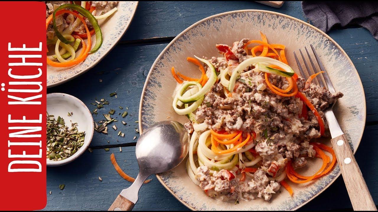 Gemüsenudeln mit Hacksoße | REWE Deine Küche