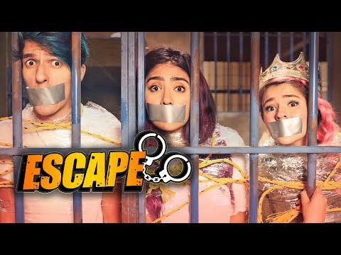 ESCAPING FROM JAIL!    POLINESIO CHALLENGE   LOS POLINESIOS
