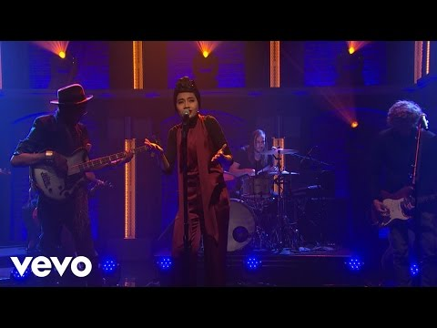 Yuna - Used To Love You [Live on NBC Seth Myers]