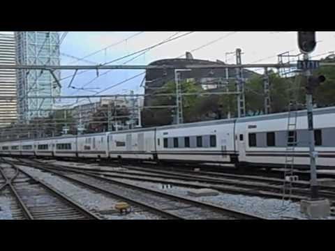 Trenhotel ELIPSOS saliendo de Barcelona Estación de Francia hacia  Paris Austerlitz.