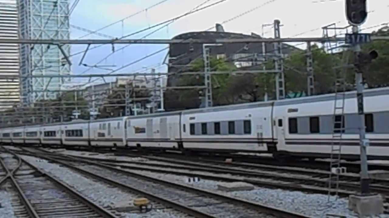 Trenhotel elipsos saliendo de barcelona estaci n de for Elipsos trenhotel