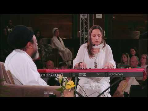 Beautiful Music with Mooji - Remember Who You Are (by Omkara)