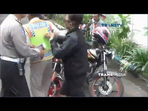 Ditilang, Perempuan Pengendara Motor Sport Mengamuk ke Polisi Mp3