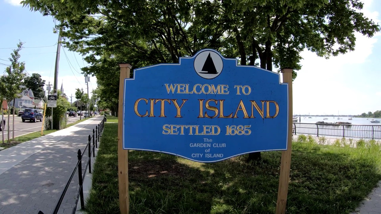 ⁴ᴷ⁶⁰ Walking NYC (Narrated) : City Island, Bronx (Quiet Ocean Town of NYC)  (August 1, 2019) - YouTube