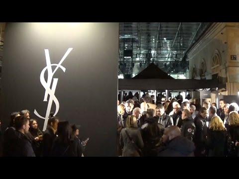 Outside arrivals show yves saint laurent paris 28 for Expo paris fevrier