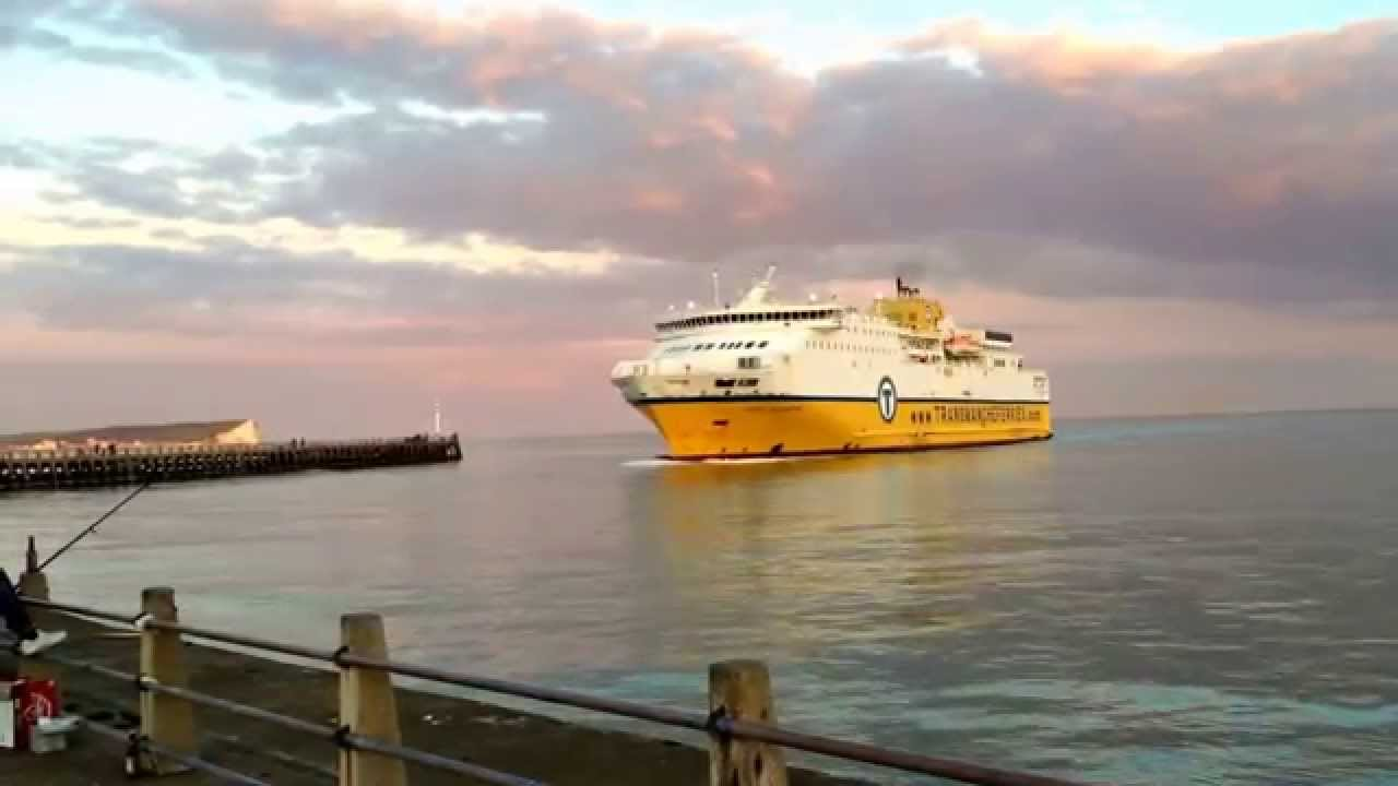 ferry coming in to newhaven from dieppe in france youtube. Black Bedroom Furniture Sets. Home Design Ideas