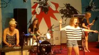 Those Dancing Days - Run Run live (Sopa de Auditório)