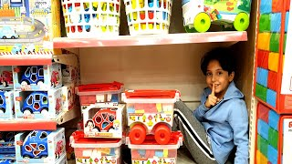 En Komik Saklambaç ! Sado, Ali Keremiko and Mom Pretend Play Hide and Seek in Toy Store