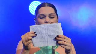 Jessie J at Delamere Forest reading letter from fan and then sound problem