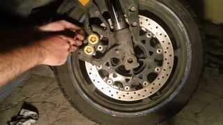 Yamaha YZF R1 Sportbike Front brake pads change/replace