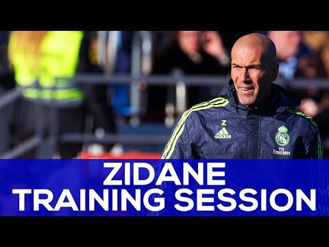 Zidane watches Bale, Marcelo and Ronaldo's skills | REAL MADRID NEWS