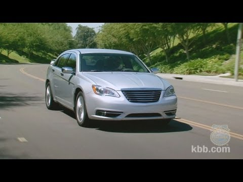 2011 Chrysler 200 Review - Kelley Blue Book