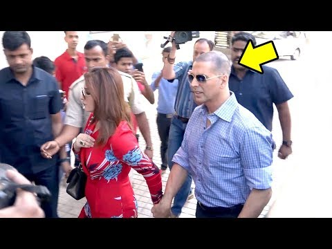 Akshay Kumars GRAND Entry In New LOOK With Twinkle Khanna At Padman Song Aaj Se Teri Launch