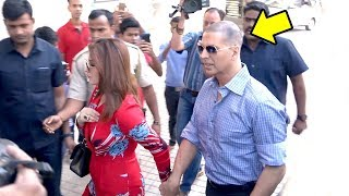 Akshay Kumar's GRAND Entry In New LOOK With Twinkle Khanna At Padman Song Aaj Se Teri Launch