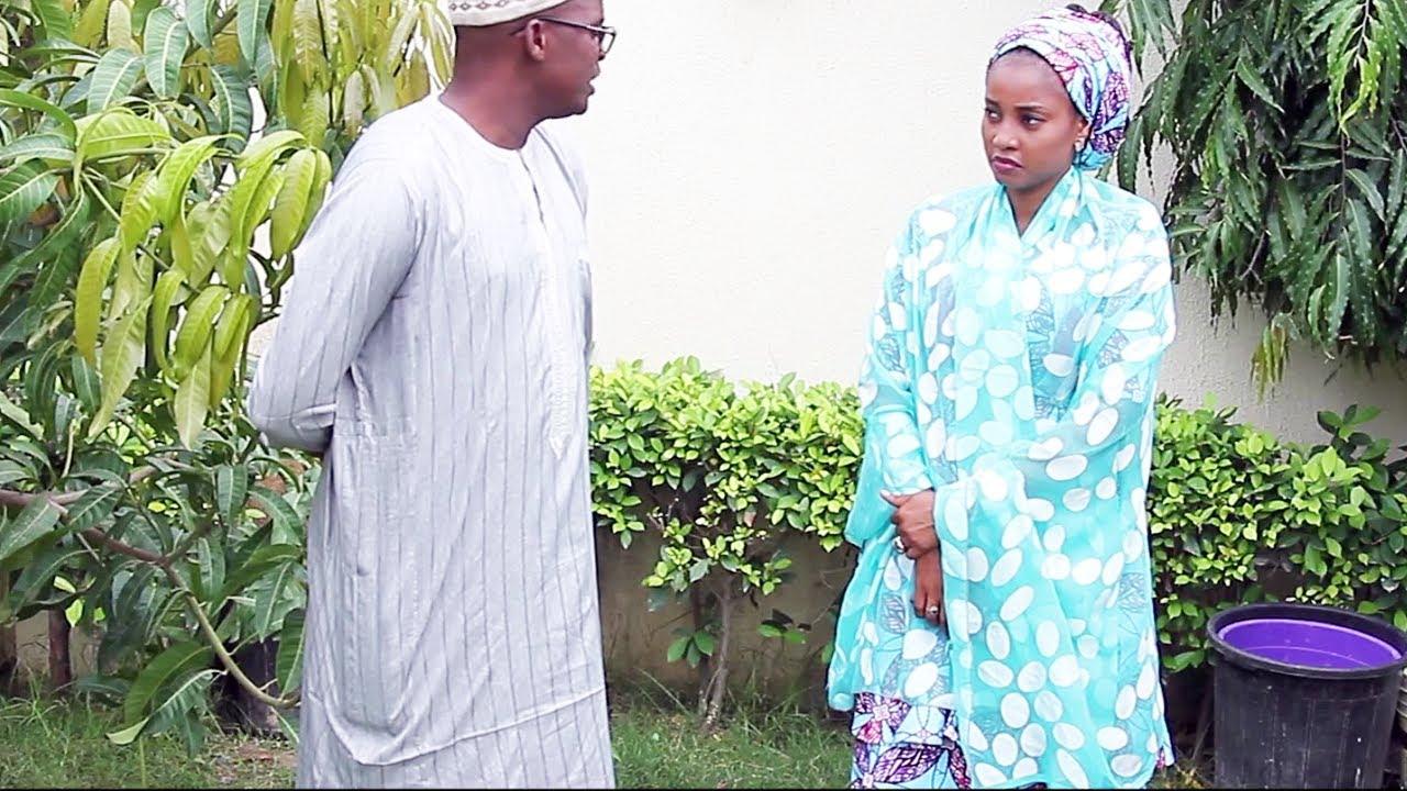 Download lokacin da wani dattijo ya kamu da son matar taurin kai - Hausa Movies 2020 | Hausa Films 2020