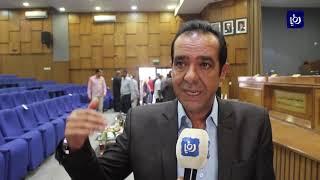 أردنيون غاضبون يفشلون لقاء وزارياً حول ضريبة الدخل في الطفيلة - (15-9-2018)